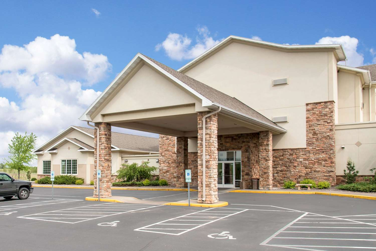 Exterior view - Sleep Inn & Suites Conference Center Eau Claire