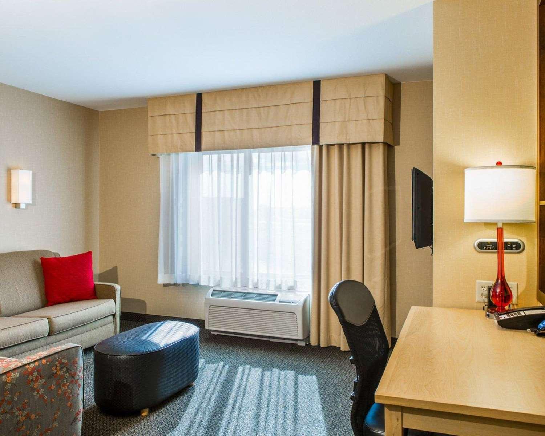 Room - Cambria Suites Madison