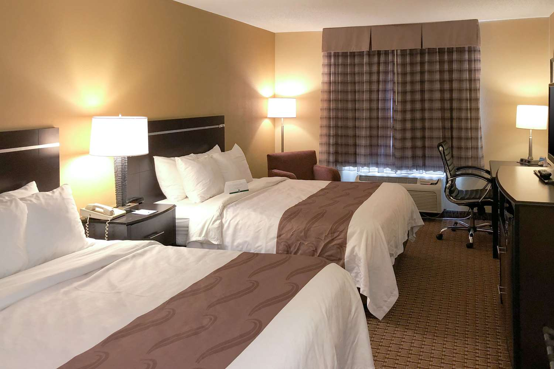 Room - Quality Inn & Suites Sun Prairie