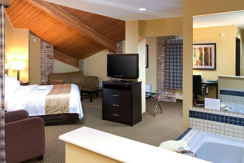 Suite - Quality Inn & Suites Sun Prairie