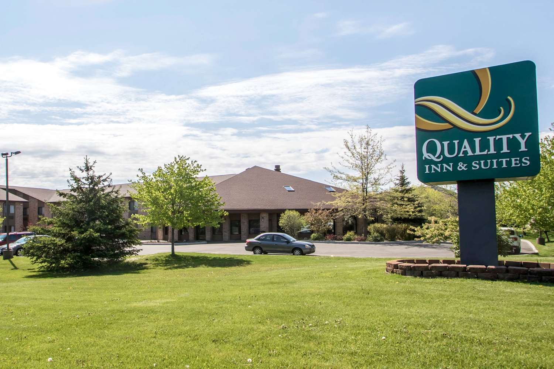 Exterior view - Quality Inn & Suites Sun Prairie