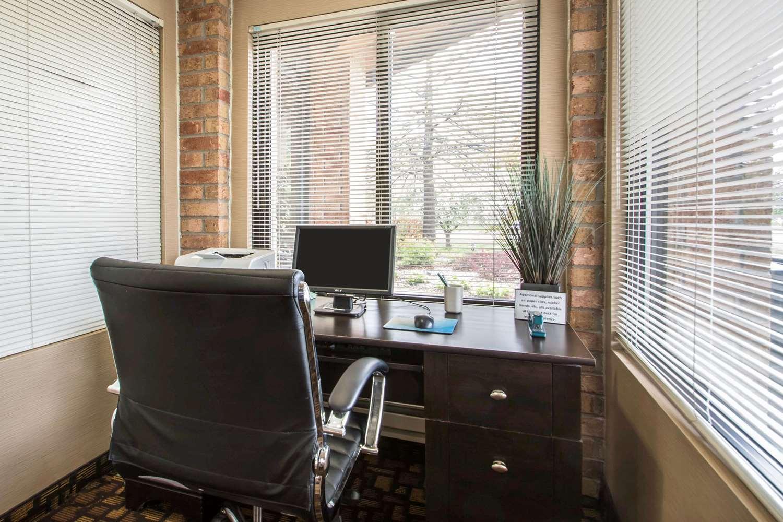 Conference Area - Quality Inn & Suites Sun Prairie