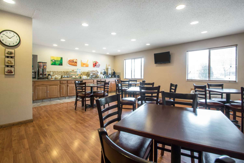 Restaurant - Quality Inn & Suites Sun Prairie