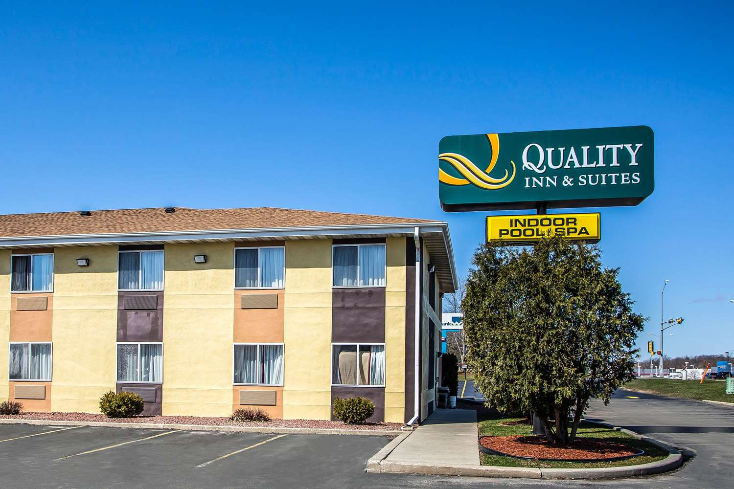 Exterior view - Quality Inn & Suites West Bend
