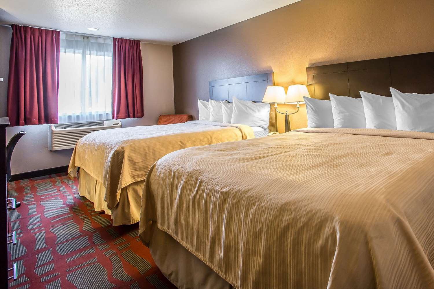 Room - Quality Inn & Suites West Bend