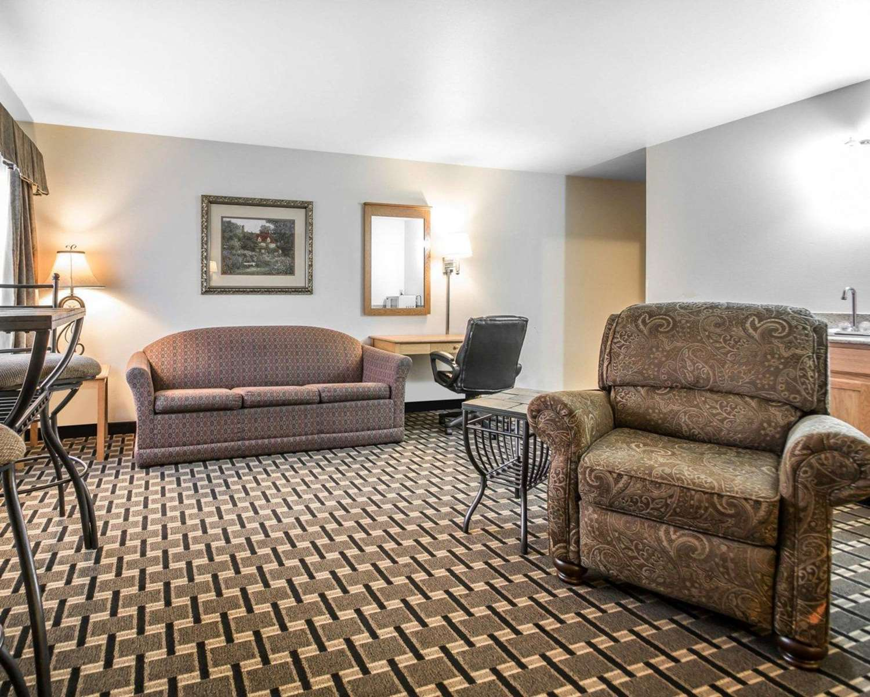 Suite - Quality Inn Mauston