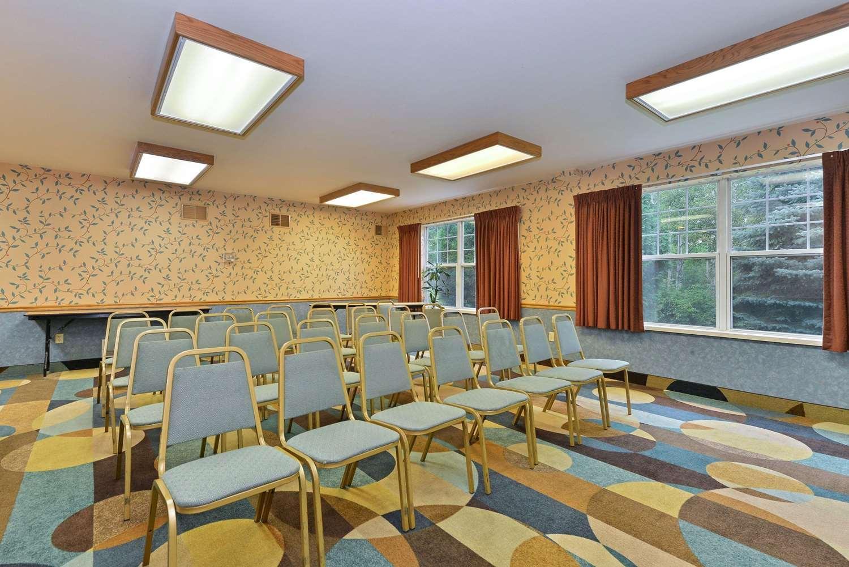 Meeting Facilities - Quality Inn & Suites Shawano