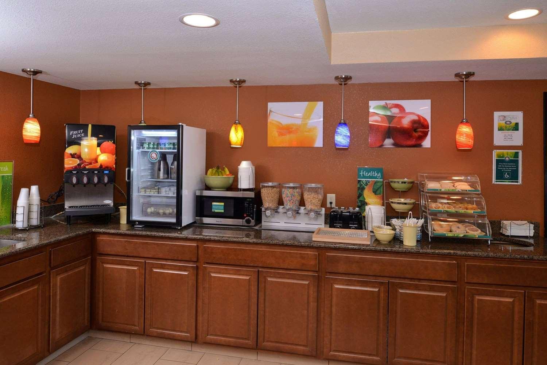 Restaurant - Quality Inn Appleton