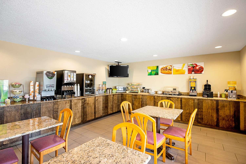 Restaurant - Quality Inn Milwaukee