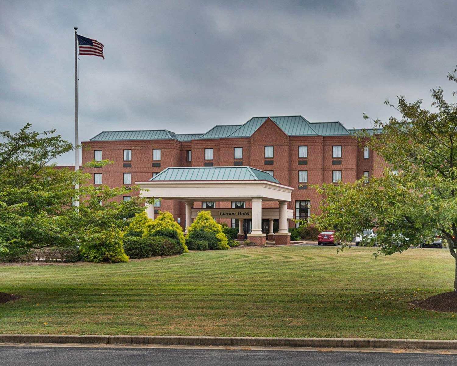 Exterior view - Clarion Hotel & Conference Center Shepherdstown