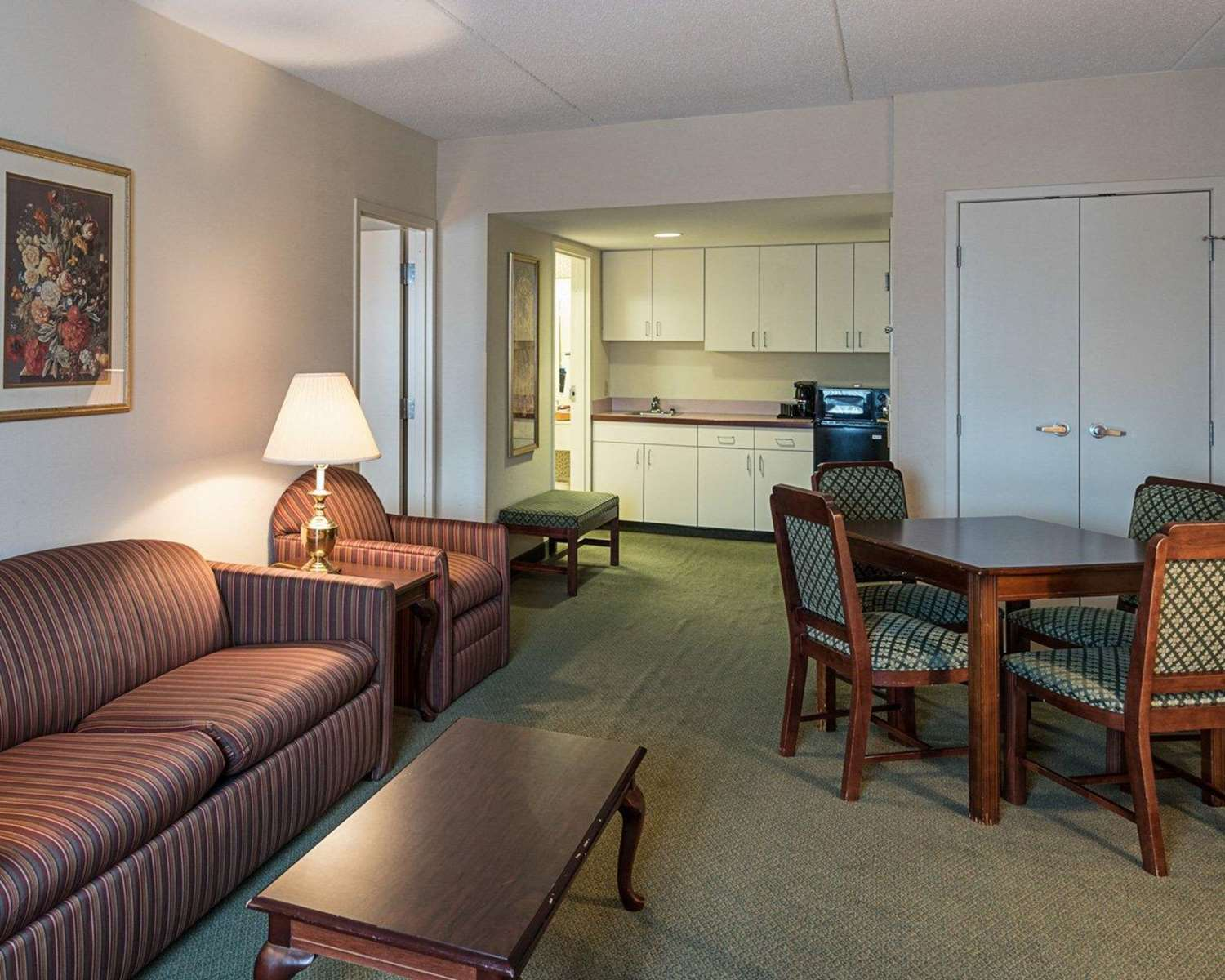 Suite - Clarion Hotel & Conference Center Shepherdstown