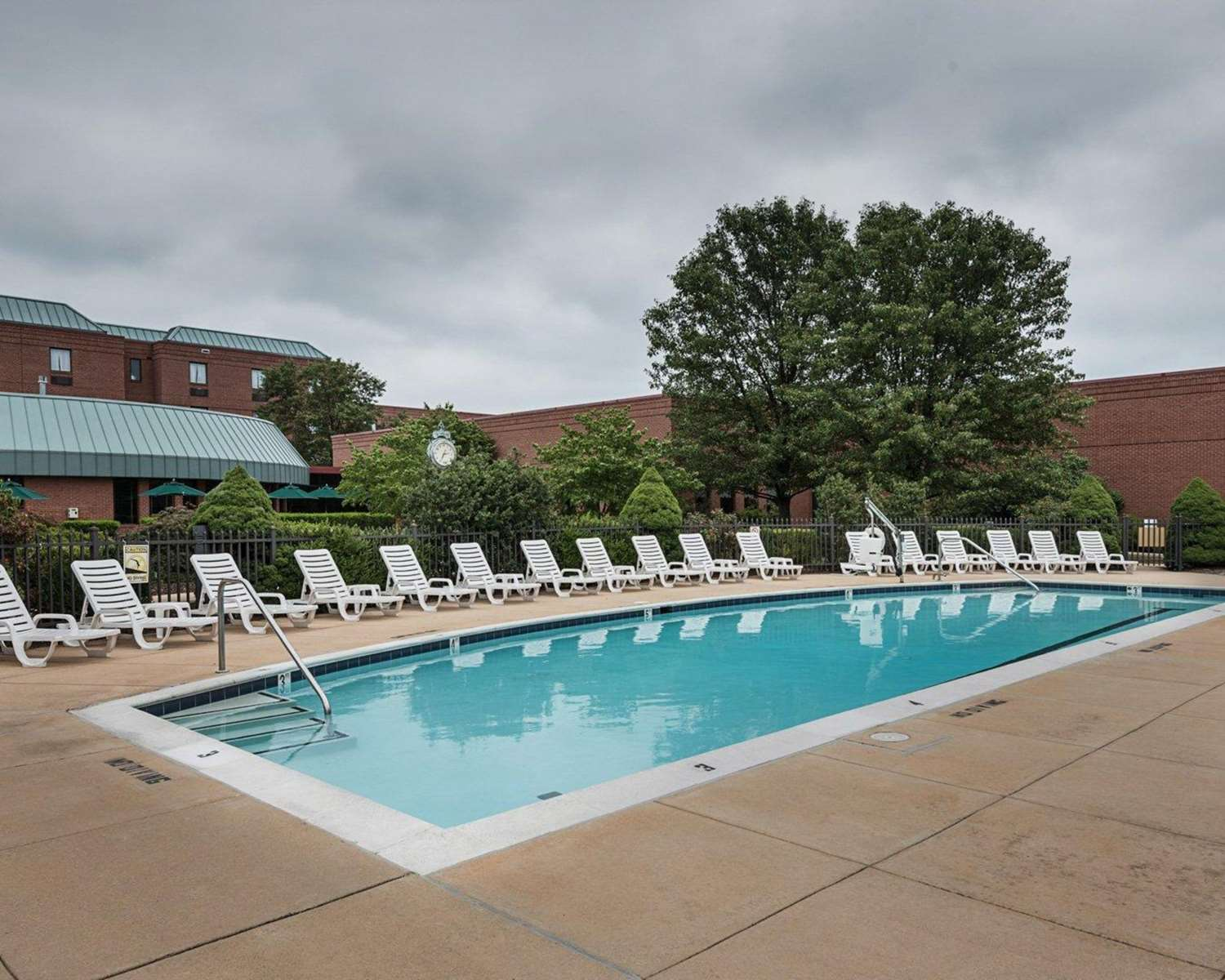 Pool - Clarion Hotel & Conference Center Shepherdstown