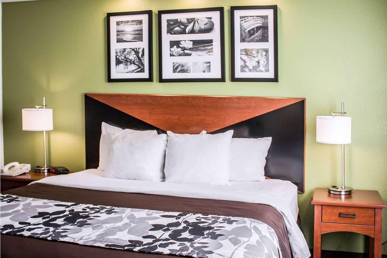 Room - Sleep Inn Beaver