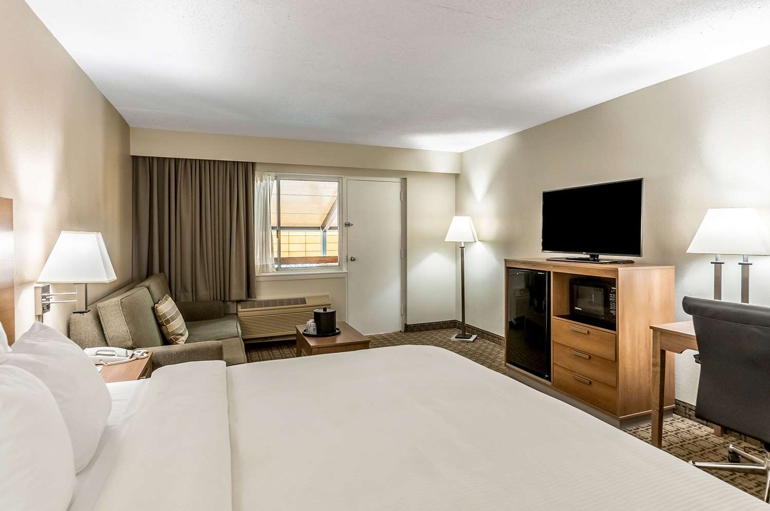 Suite - Clarion Inn Conference Center Harpers Ferry
