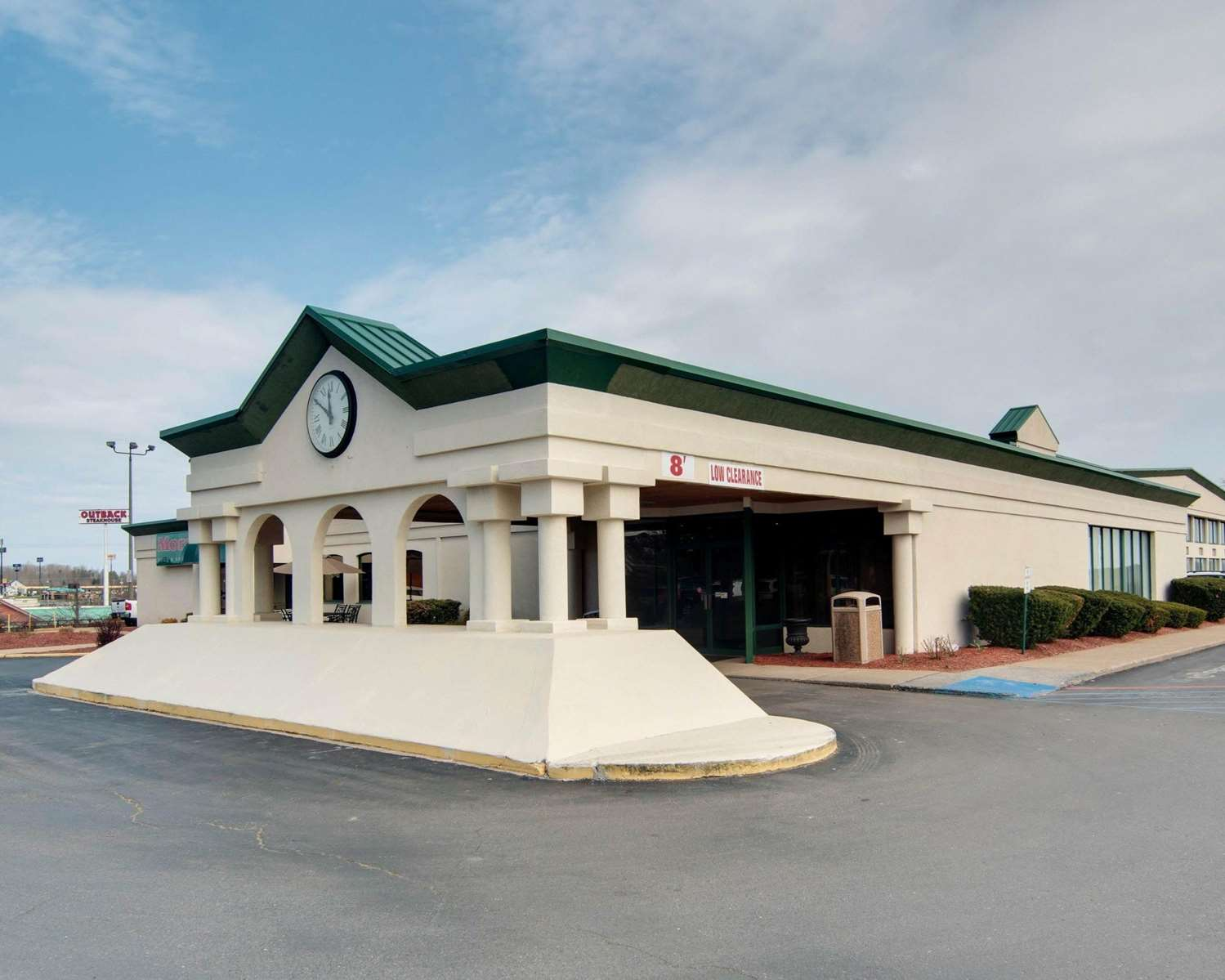 Exterior view - Quality Inn Beckley