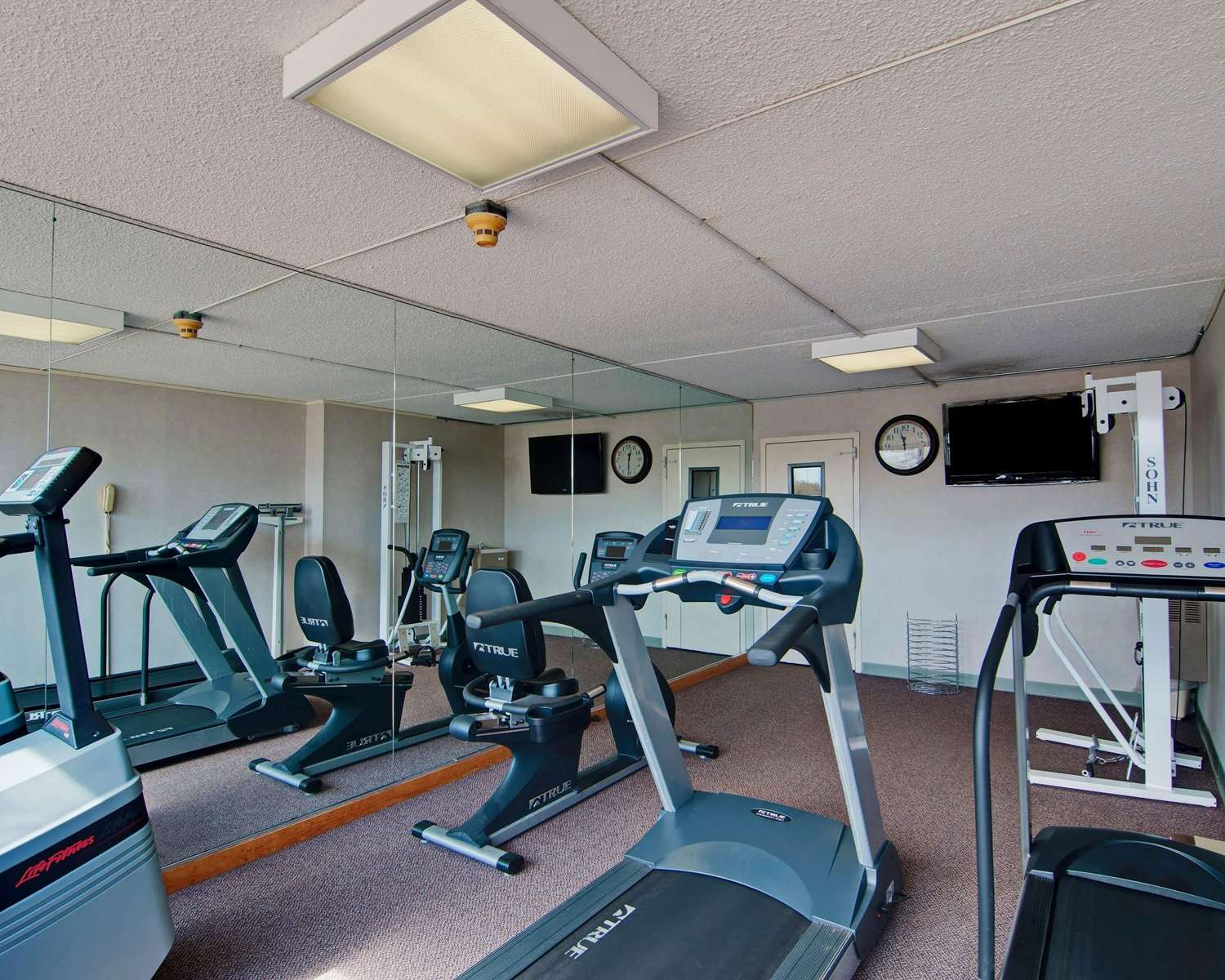 Fitness/ Exercise Room - Quality Inn Beckley