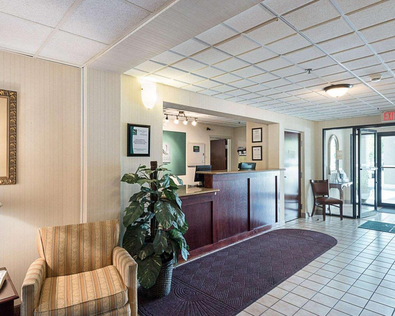 Lobby - Quality Inn Shepherdstown