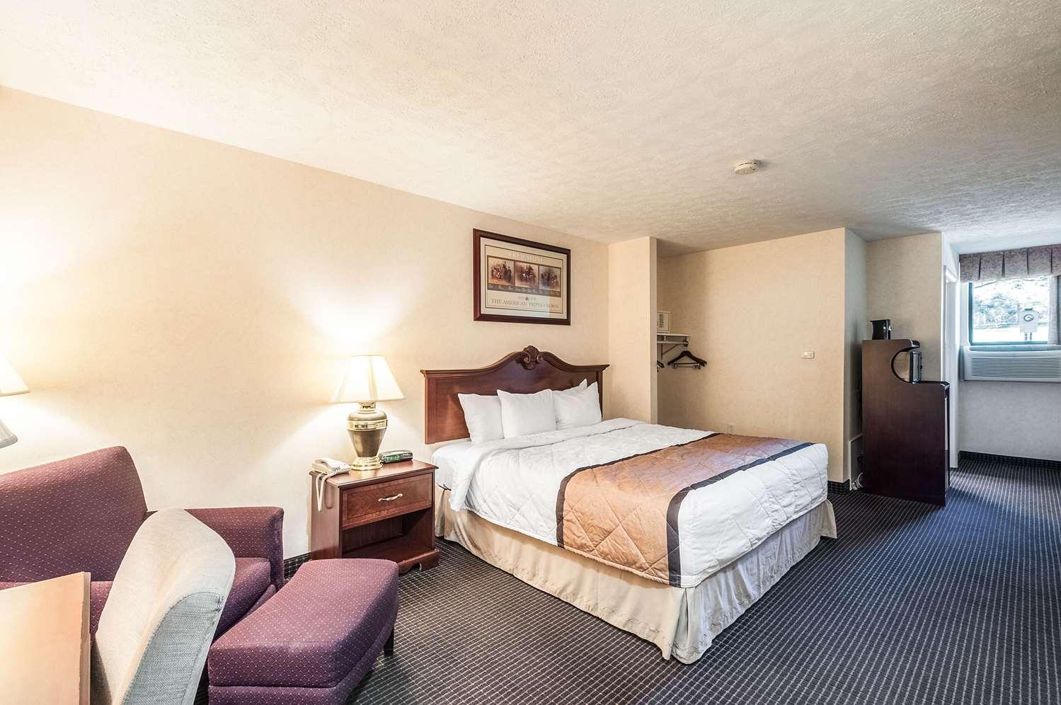 Room - Rodeway Inn Charles Town