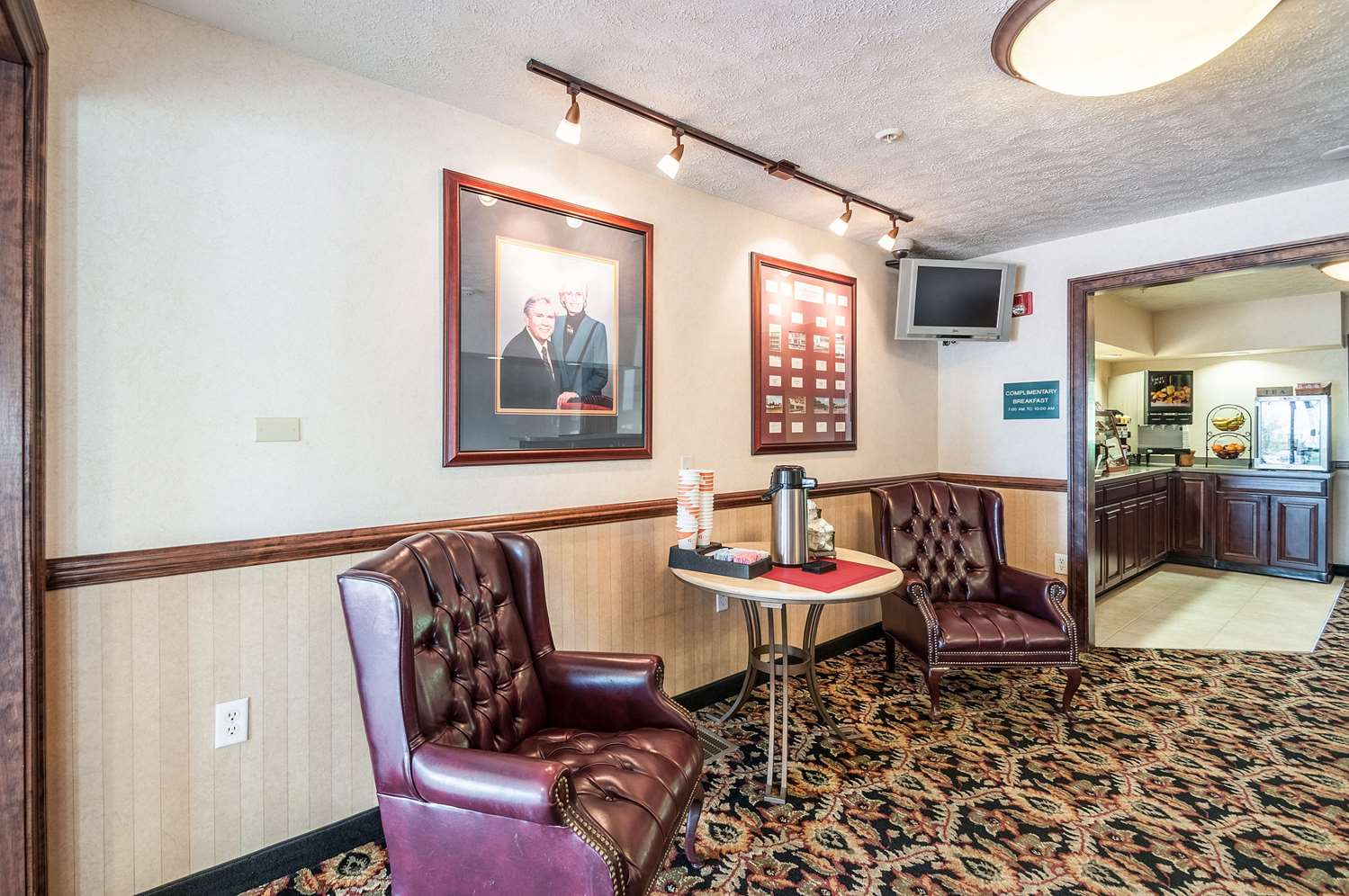 Lobby - Rodeway Inn Charles Town