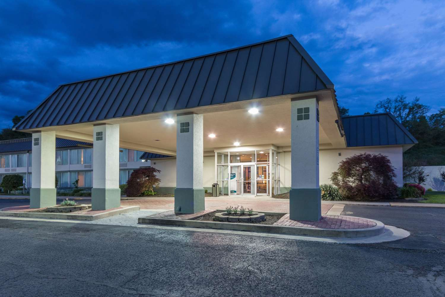 Exterior view - Suburban Extended Stay Hotel Fairmont