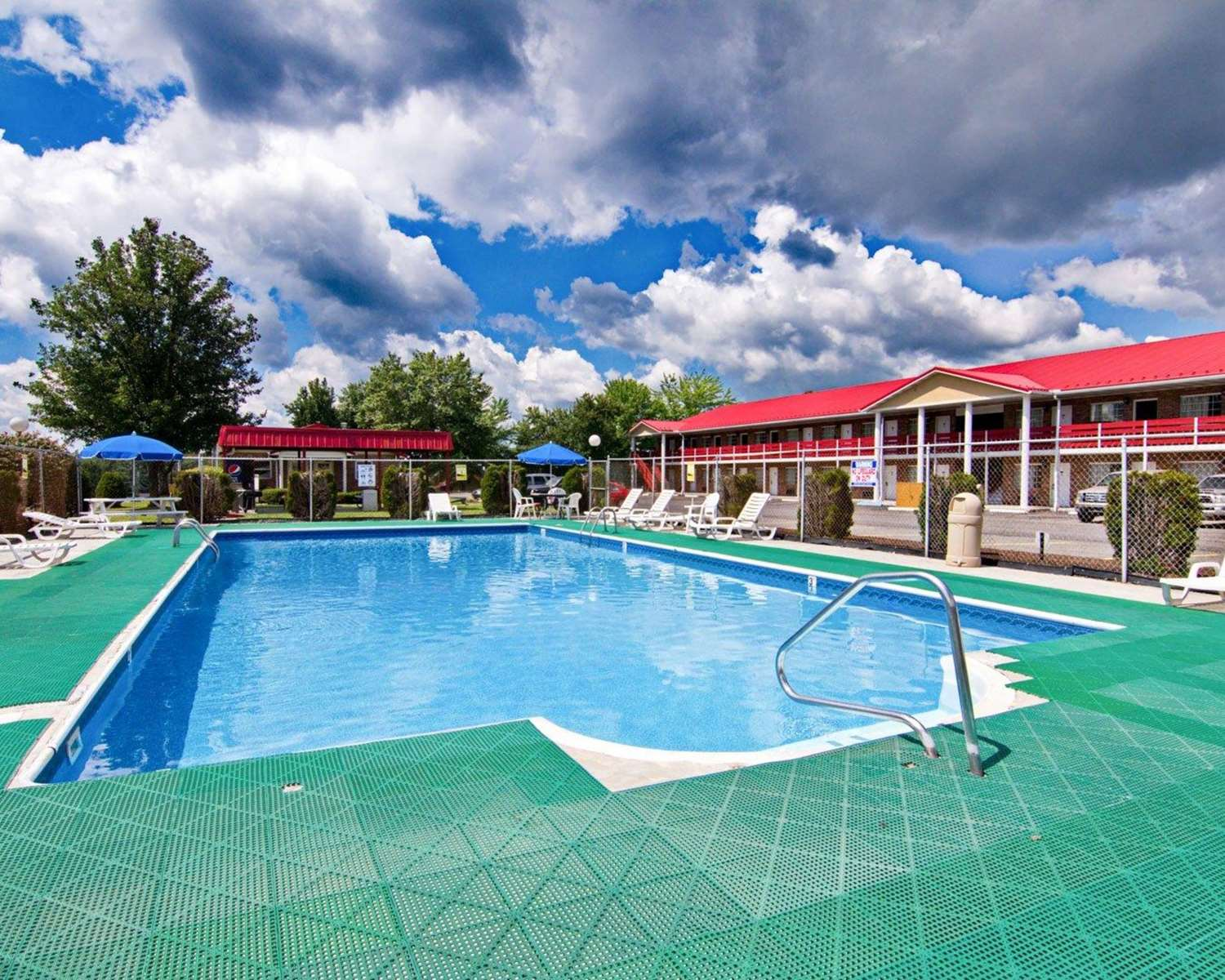 Pool - Quality Inn New River Gorge Fayetteville