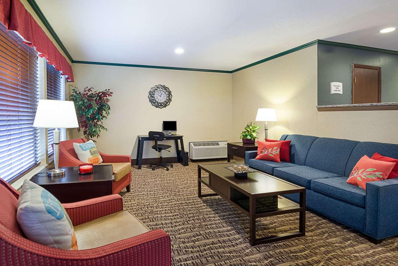 Lobby - Quality Inn Princeton