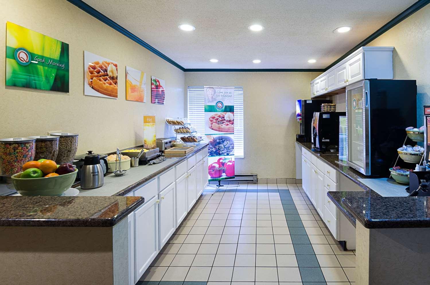 Restaurant - Quality Inn Princeton