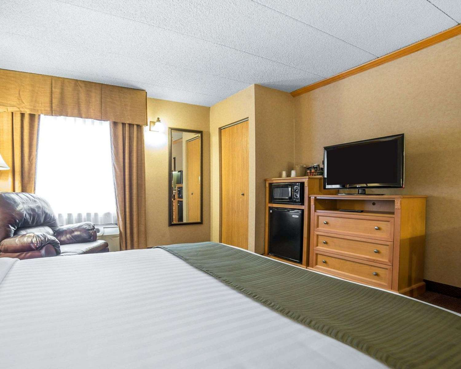 Quality Inn & Suites Casper, WY - See Discounts