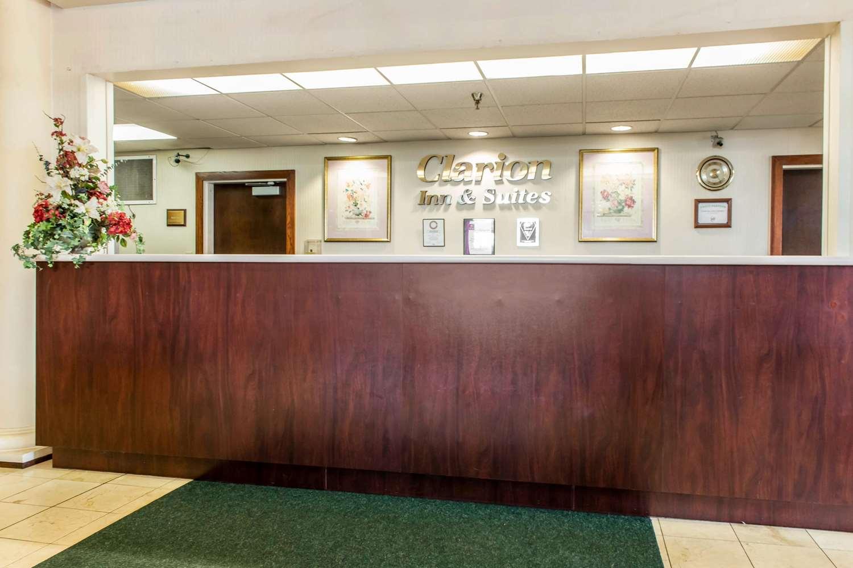 Lobby - Clarion Inn & Suites Northwest Indianapolis
