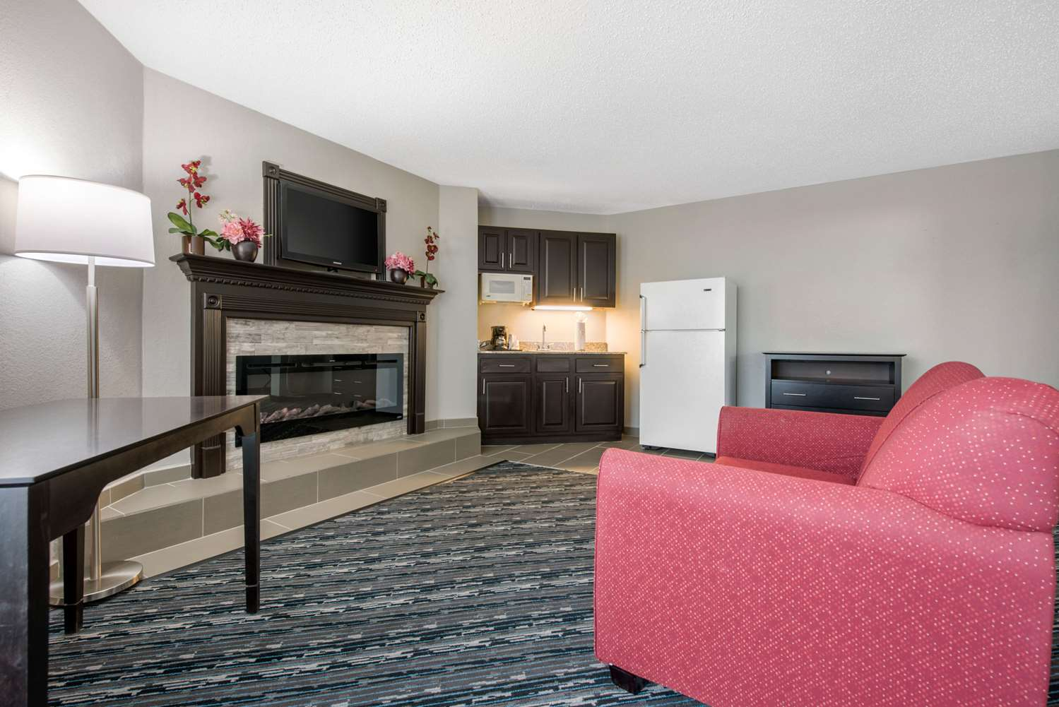 Quality Inn Amp Suites Brownsburg In See Discounts