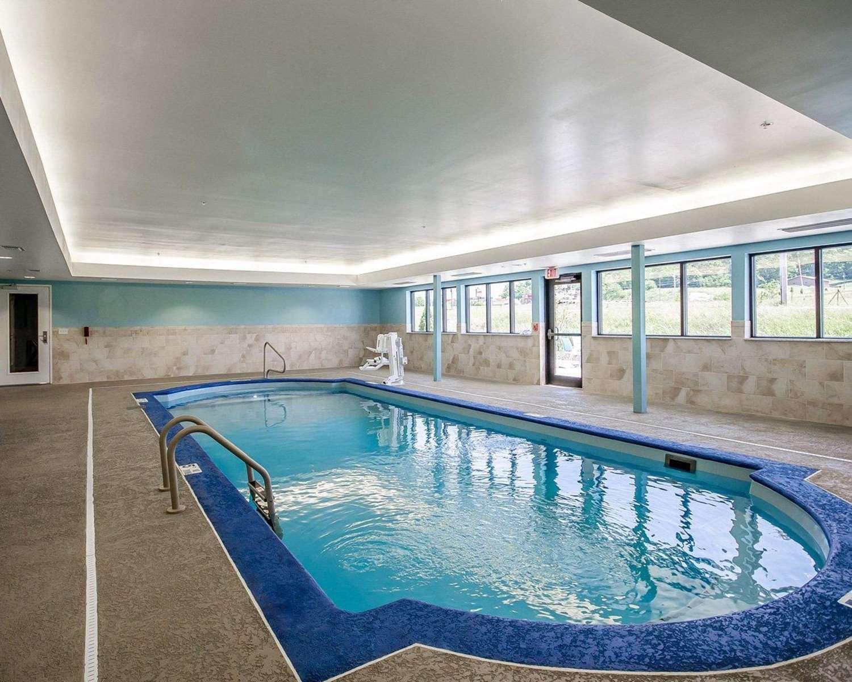 Pool - Comfort Inn Ferdinand