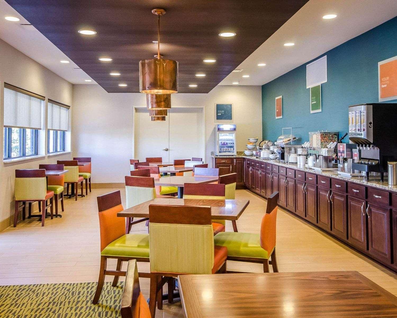 Restaurant - Comfort Inn Ferdinand