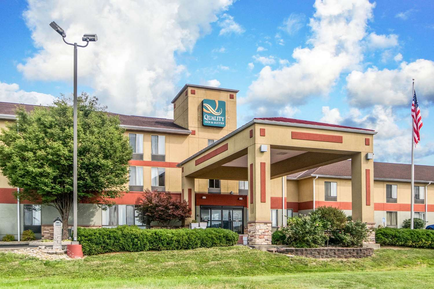Exterior view - Quality Inn & Suites Lawrenceburg