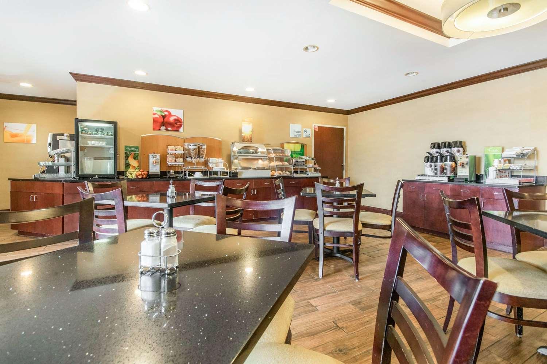 Restaurant - Quality Inn & Suites Lawrenceburg