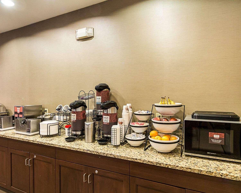 Restaurant - Comfort Inn East Wichita
