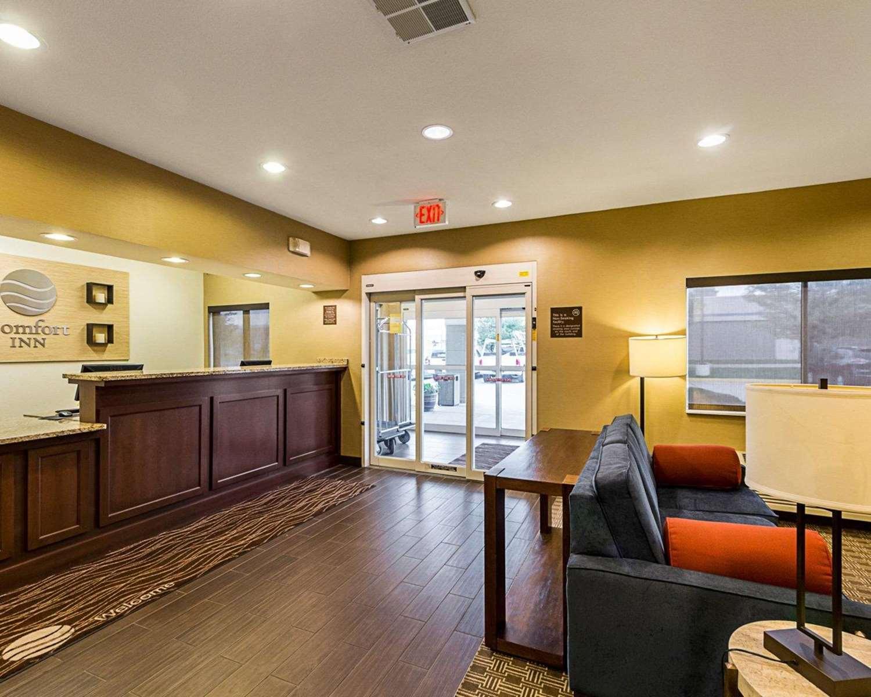 Lobby - Comfort Inn East Wichita