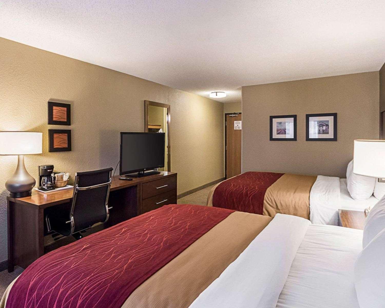 Room - Comfort Inn East Wichita