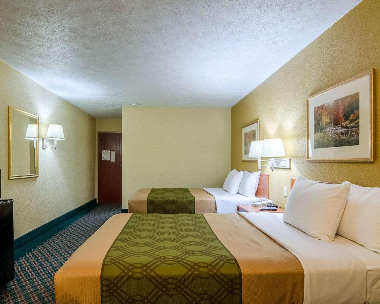 Room - Econo Lodge Ottawa