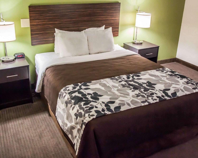 Room - Sleep Inn & Suites Topeka