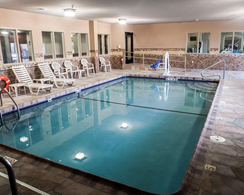 Pool - Sleep Inn & Suites Topeka