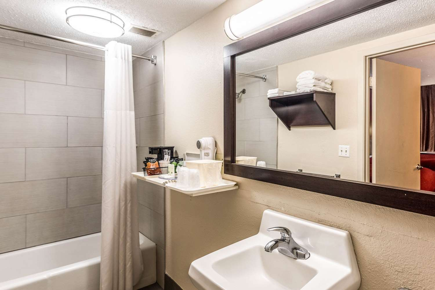 Suite - Quality Inn Colby