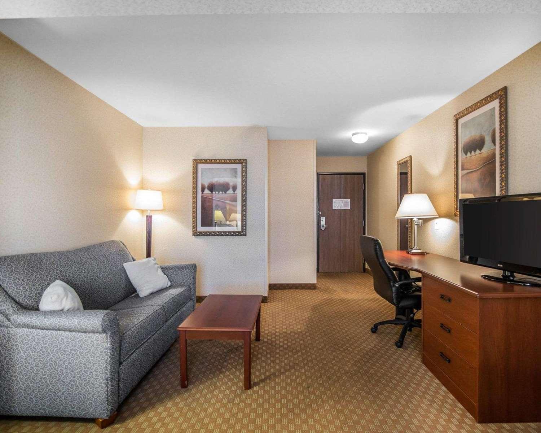 Suite - Sleep Inn & Suites Salina