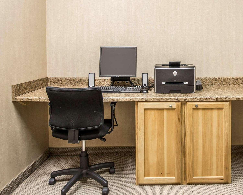 Conference Area - Sleep Inn & Suites Salina