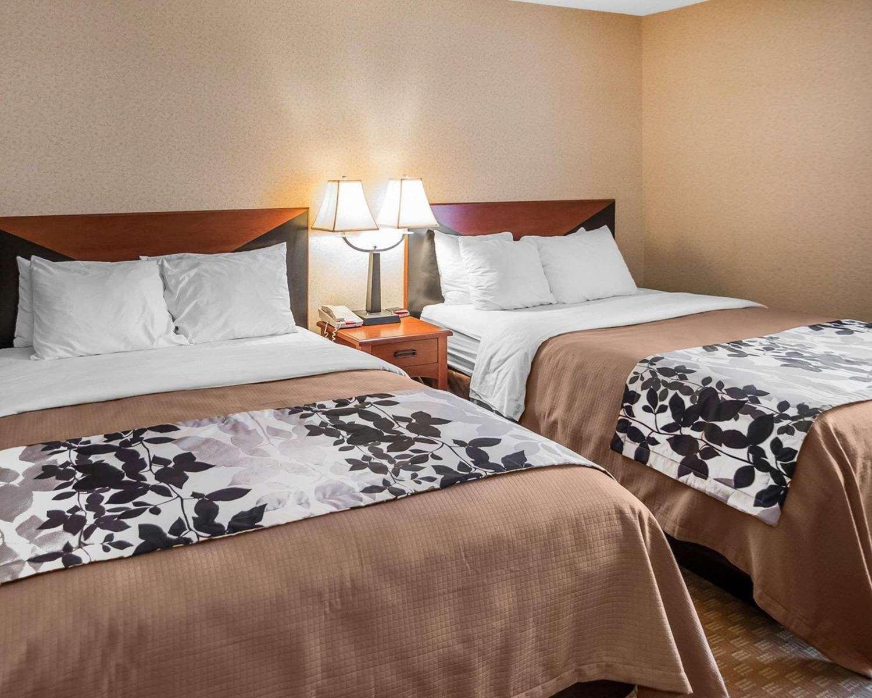Room - Sleep Inn & Suites Salina