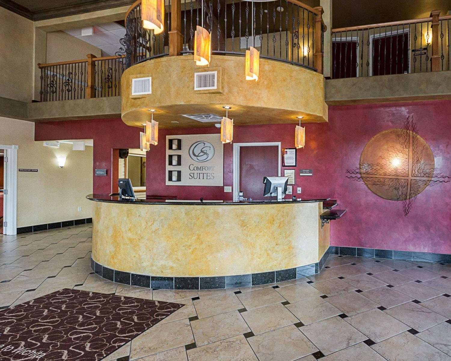 Lobby - Comfort Suites Airport Wichita