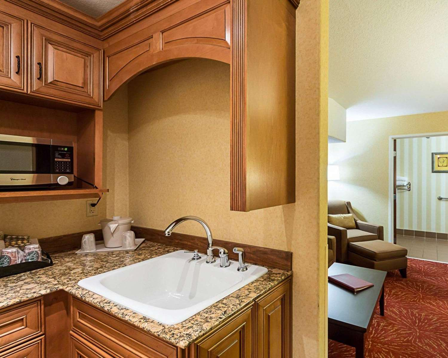 Suite - Comfort Suites Airport Wichita