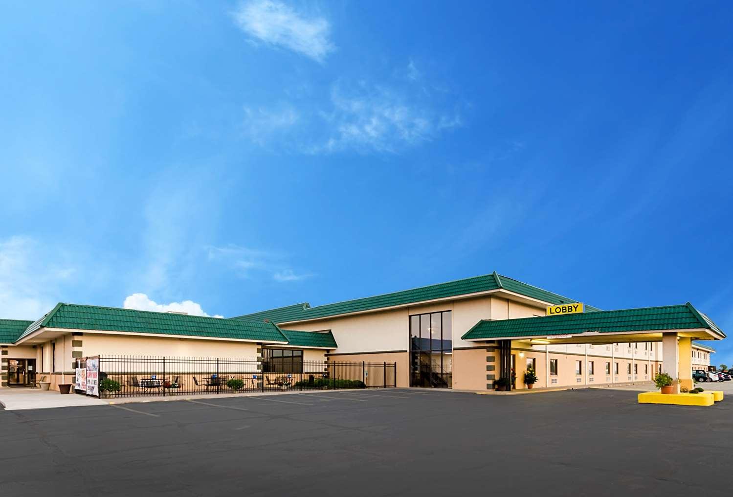 Exterior view - Quality Inn & Suites Salina