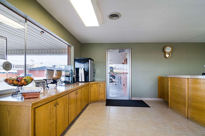 Restaurant - Rodeway Inn Liberal