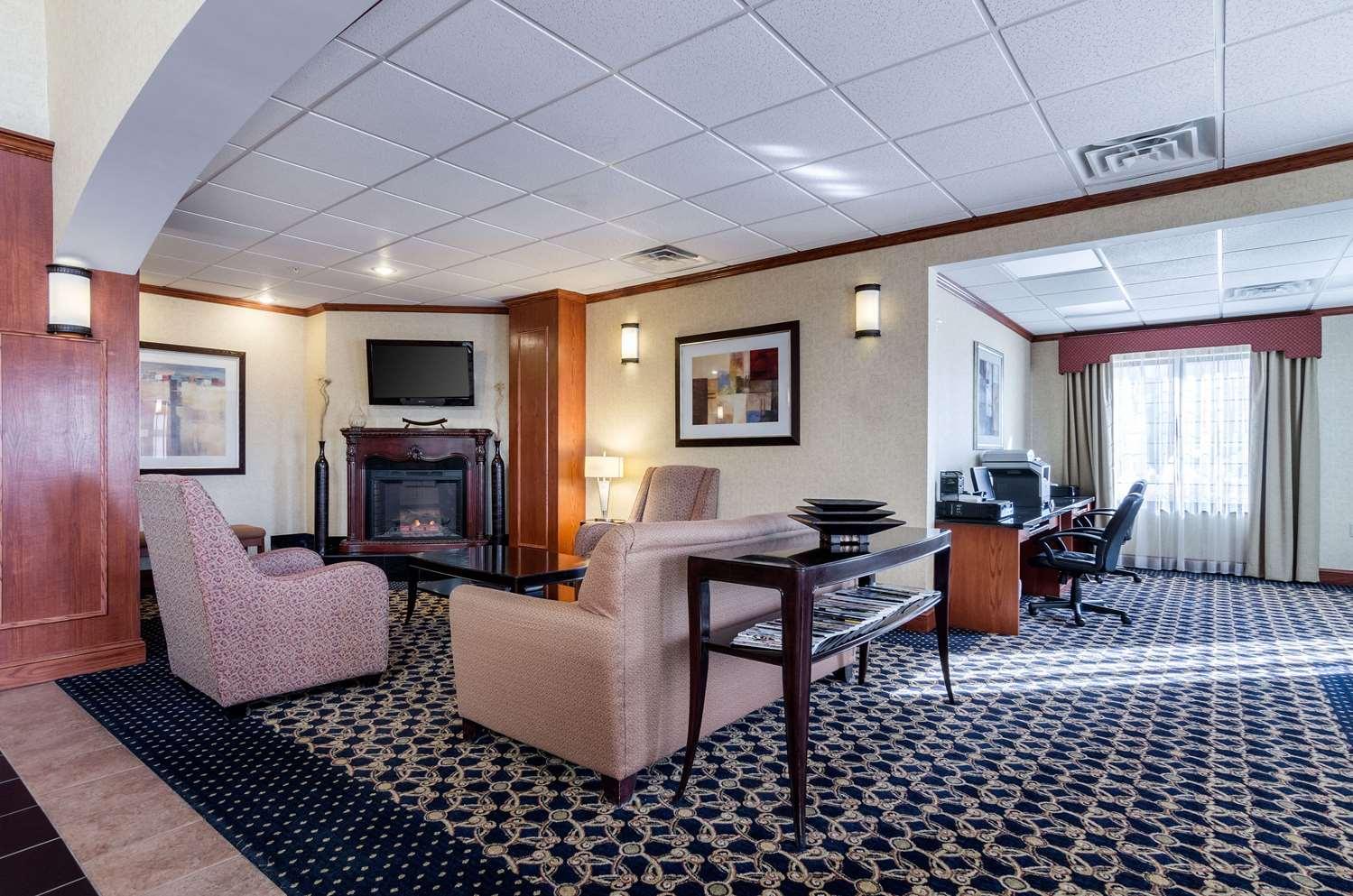 Lobby - Comfort Suites Pratt