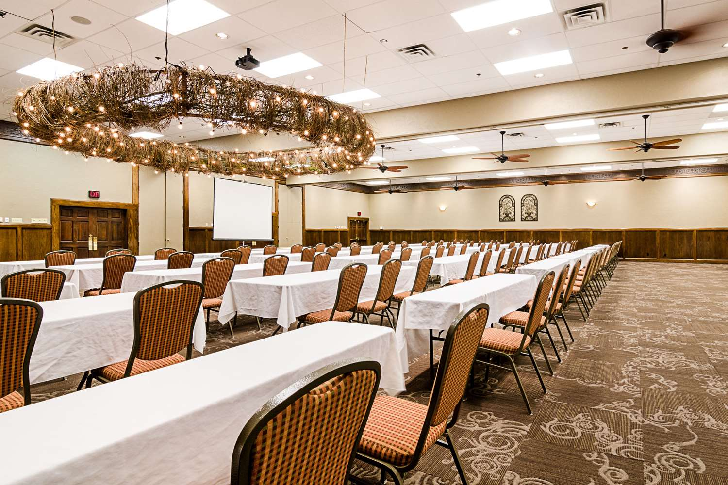 Meeting Facilities - Clarion Inn Garden City